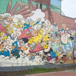 Mural del cómic de Asterix, Obelix y la aldea gala, en Bruselas