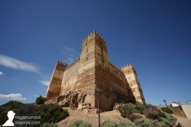 El castillo Burgalimar, de origen árabe y perfectamente conservado hasta nuestros días
