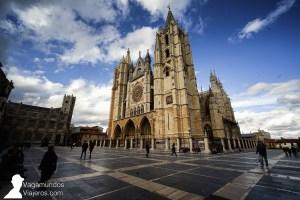 La Catedral de León está situada en el punto más alto de la ciudad