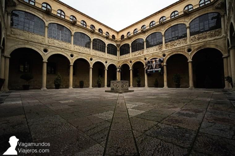 Patio del Palacio de los Guzmanes, actual sede de la Diputación de León