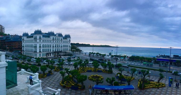 Casino de Santander junto a la playa primera del Sardinero
