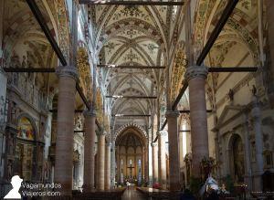 Interior de la iglesia de Santa Anastasia, Verona