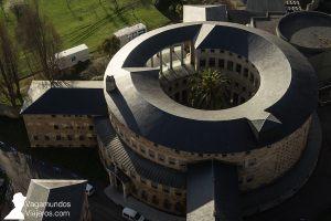 El convento de las clarisas, actual sede de la Radio Televisión Autonómica de Asturias, en la Universidad Laboral de Gijón