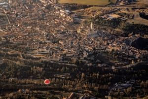 Vista de la ciudad de Segovia desde el vuelo en globo