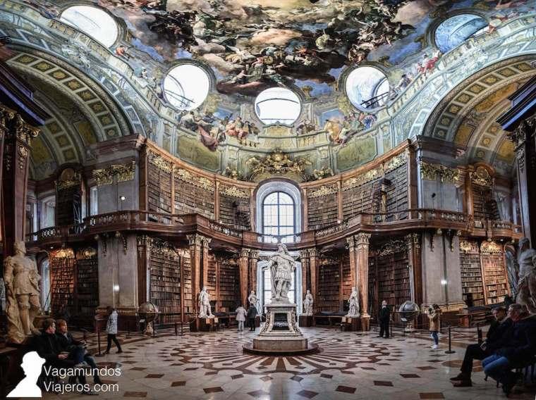 La espectacular Biblioteca Nacional de Austria en Viena