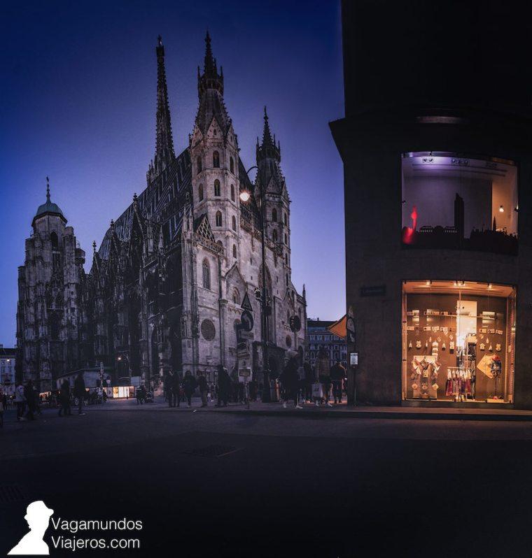 Exterior de la barroca Catedral de San Esteban en Viena