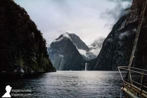 Recorriendo en barco Milford Sound, en Nueva Zelanda