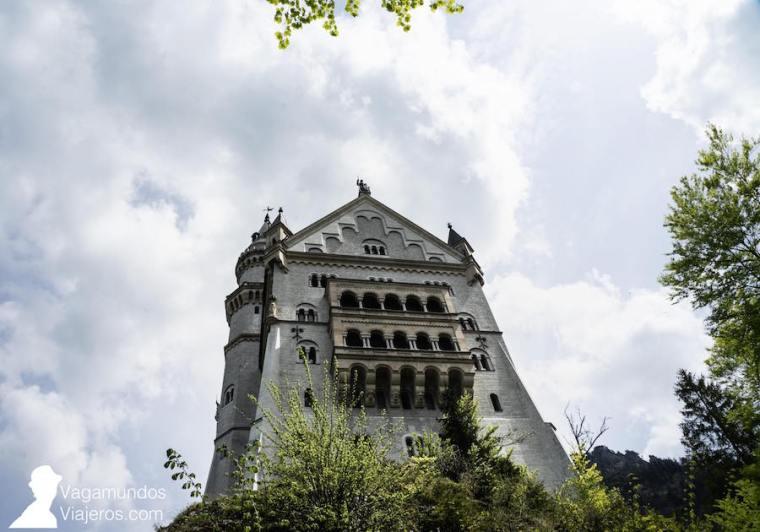 Fachada trasera del castillo Neuschwanstein