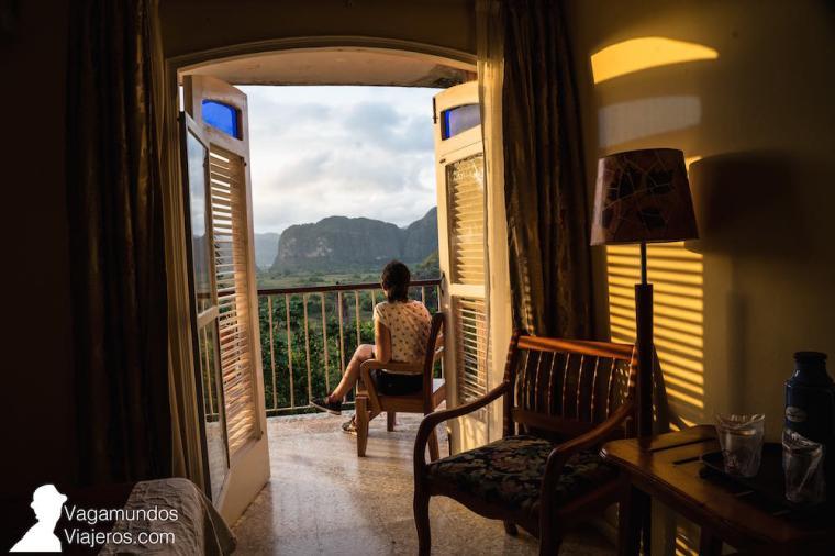 Balcón de la habitación en el hotel Los Jazmines de Viñales, Cuba