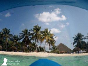 Playa de Cayo Levisa, vista a través de las gafas de buceo