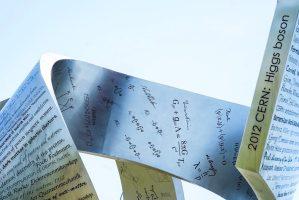 El boson de Higgs, descubrimiento de 2012 en el CERN y punto culminante de la escultura Wandering the immeasurable