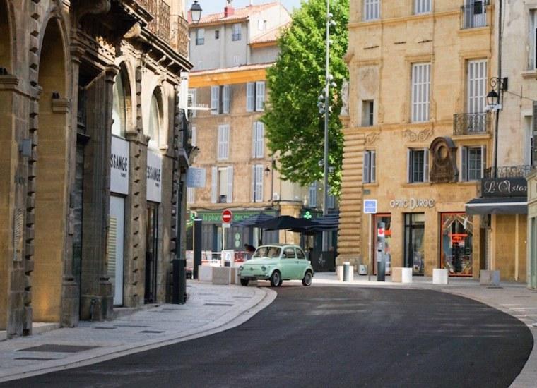 Calle del centro de Aix en Provence, Francia