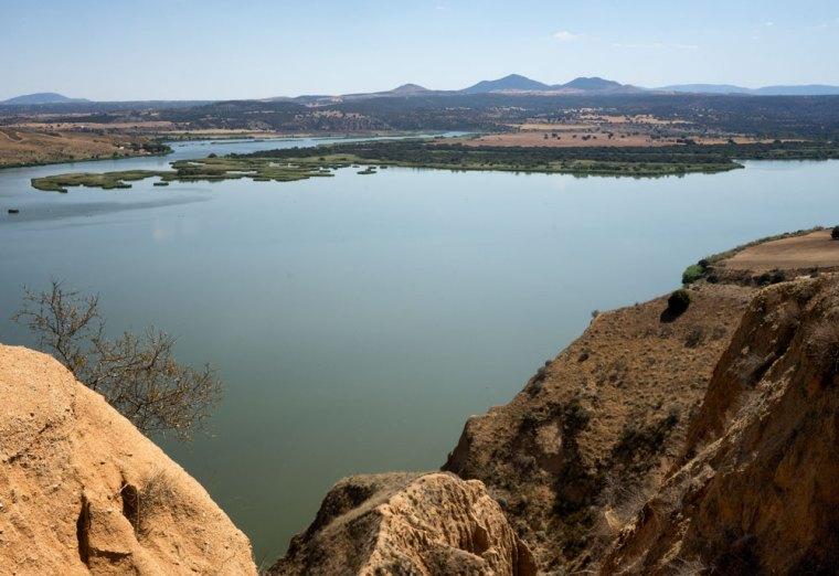 La erosión del río Tajo en estos meandros ha formado las barrancas de Burujón