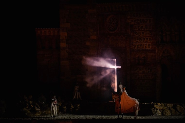 """La leyenda del Cristo de la Luz representada en """"El Sueño de Toledo"""", espectáculo de Puy du Fou"""
