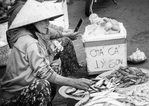 Vendedora en el mercado de Hoi An, Vietnam
