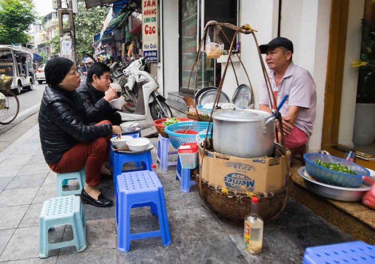 Street food en Hanoi, Vietnam
