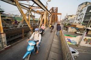 El Puente Long Bien en Hanoi