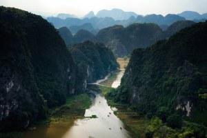 Vistas de Tam Coc desde el mirador en Mua Cave