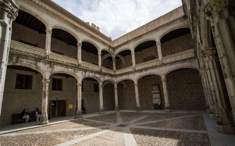 Patio interior del castillo de Manzanares El Real, Madrid