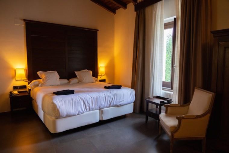 Habitación doble en el Hotel Convento Aracena, Huelva