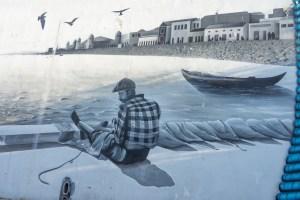 Street art en Olhao: murales homenajeando su industria pesquera y conservera