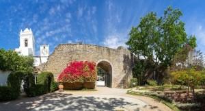Restos de la muralla en el centro histórico de Tavira