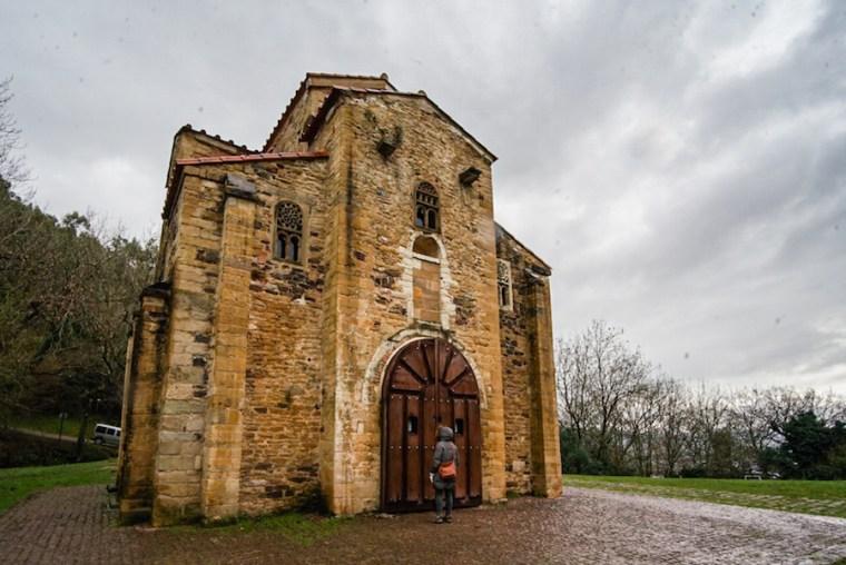 Iglesia de San Miguel de Lillo en el monte Naranco, Oviedo