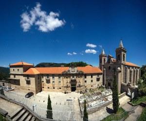 Monasterio e Iglesia de Santo Estevo de Ribas de Sil, actual Parador, en Ribeira Sacra, Ourense