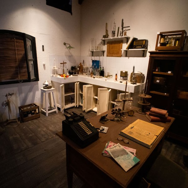 Laboratorio de los años 50 en el Museo del Vino de Valdepeñas