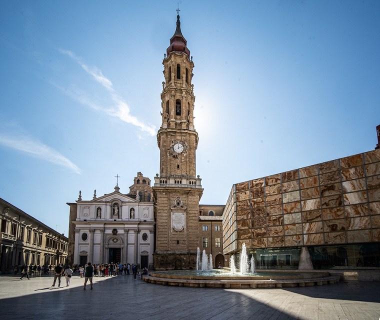 Catedral de Zaragoza o Seo, junto al Museo del Foro romano de Caesaraugusta
