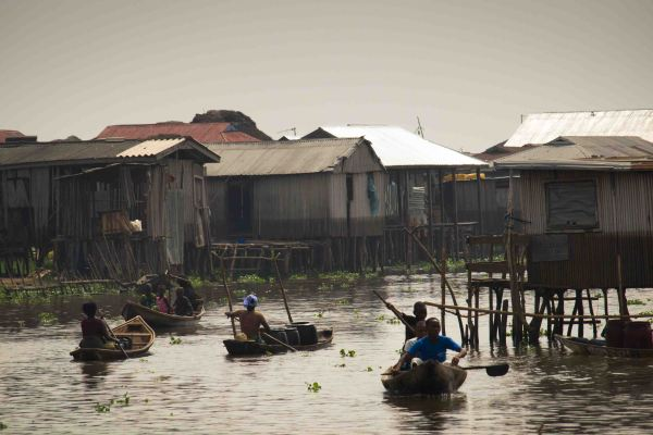 Ganvié la Venecia de África: Navegando por el Lago Nokue