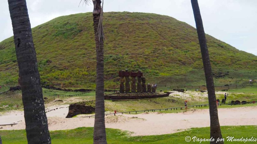 Playa de Anakena-Isla de Pascua