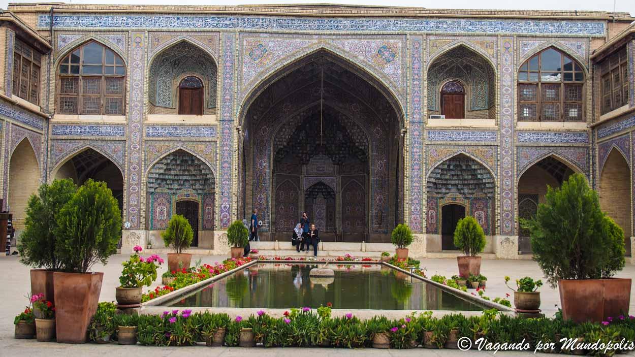Mezquita-Nasir-Al-Molk-shiraz