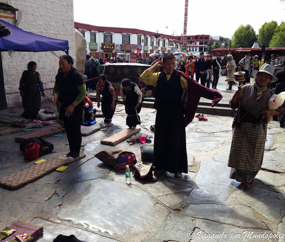 templo-jokhang-lhasa-tibet