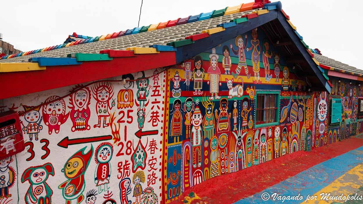 rainbow-village-taichung-taiwan