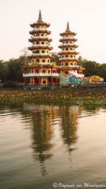 pagodas-del-dragon-tigre-que-ver-en-kaohsiung