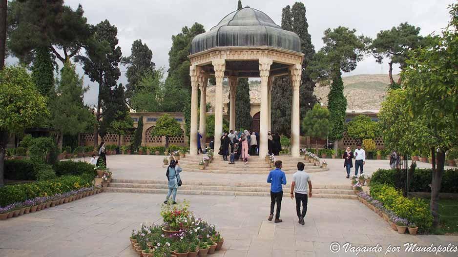 tumba-hafiz-que-ver-en-shiraz