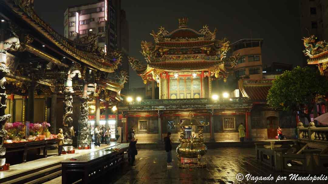 templo-longhsan-que-ver-en-taipei
