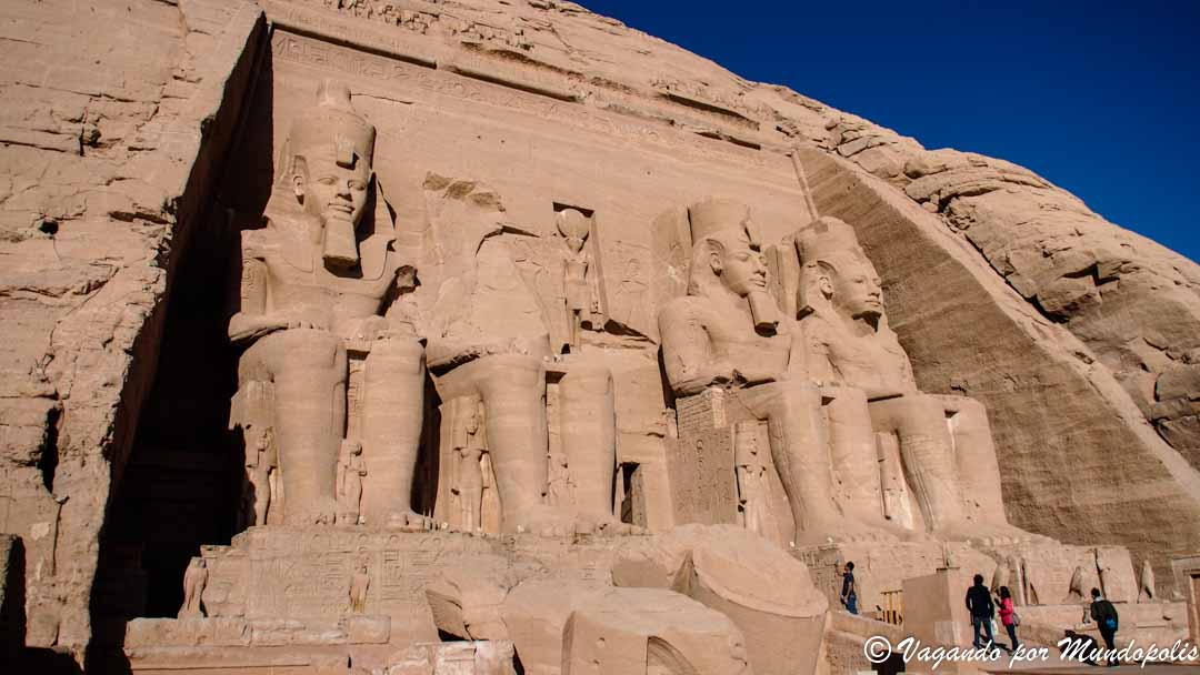 emplo-ramses-ii-abu-simbel-egipto