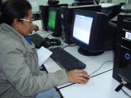 EJA Online - Professor tira dúvidas dos alunos 01