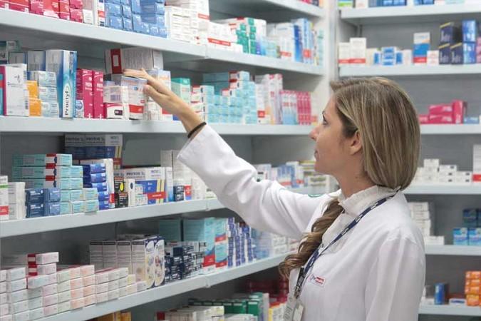 Empresa oferece 03 vagas para Balconista de Farmácia (salário: R$ 1.100,00)