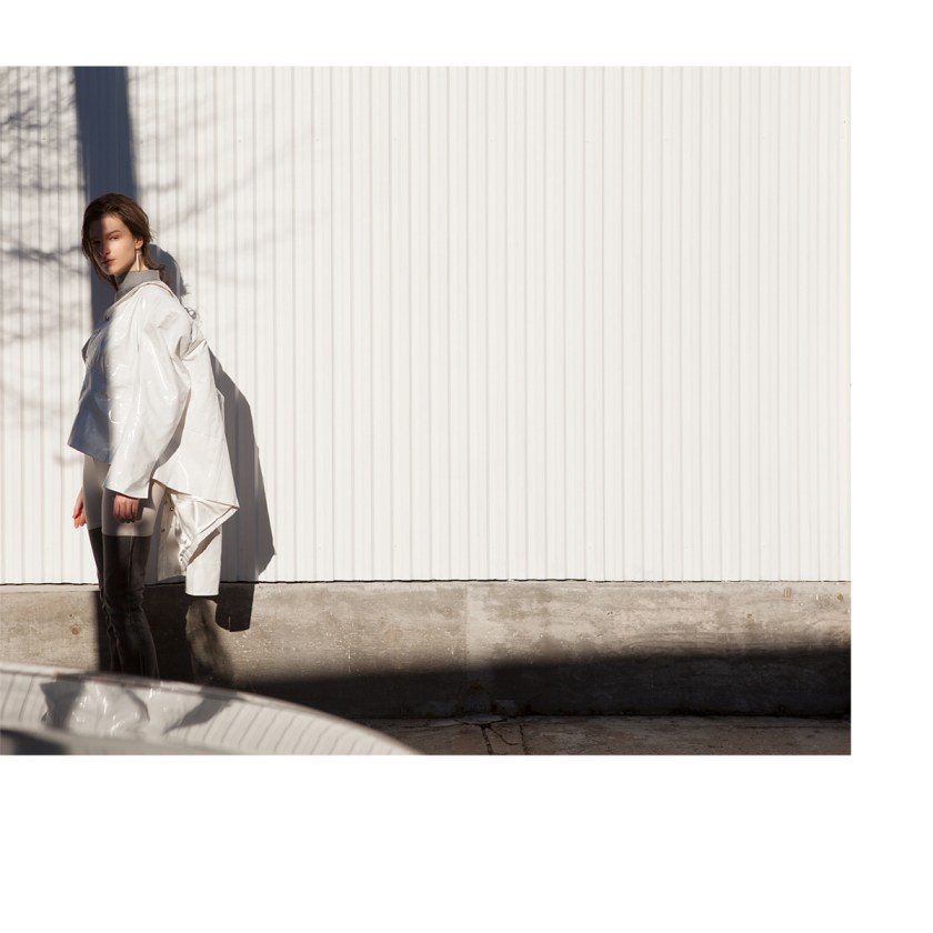 Fade Into Weisi day fashion editorial 4 of 11