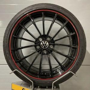 Original VW Golf 8 GTI Clubsport 45 Edition SCOTTSDALE 19 Zoll 5H0601025AH 8J x 19 H2 ET50 Sommerräder Good Year Kompletträder Alufelgen