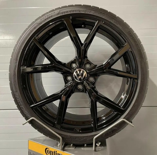 Original VW Golf 8 R GTI Estoril 19 Zoll 5H0601025S AD 8J x 19 H2 ET50 Sommerräder Bridgestone Kompletträder Alufelgen