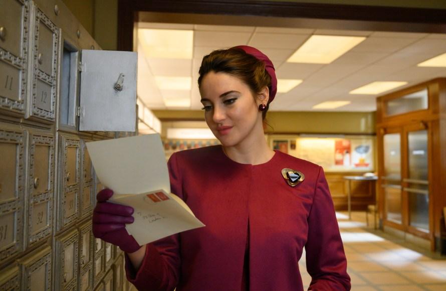 The Last Letter from Your Lover Cast - Shailene Woodley as Jennifer Stirling