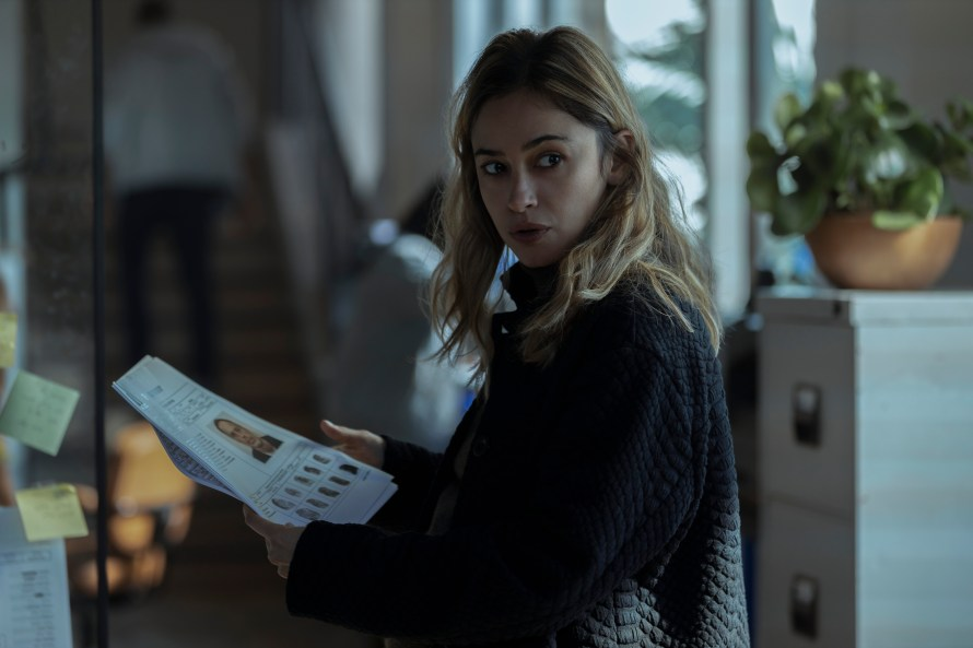Hit and Run Cast Guide - Netflix