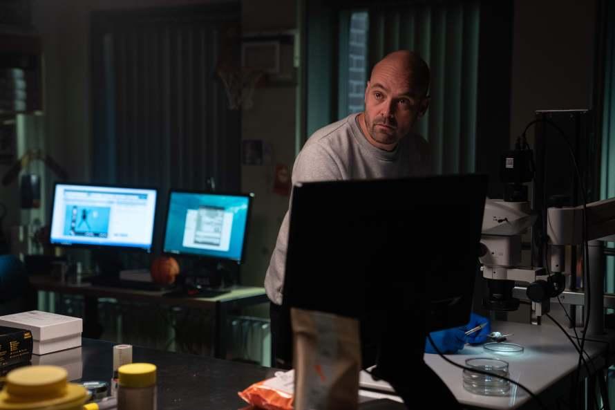The Chestnut Man Cast - David Dencik as Simon Genz