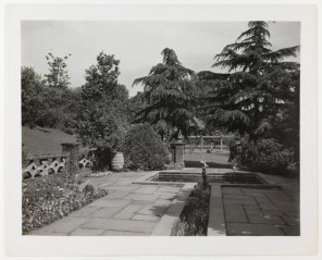 Then: View of square pool in the sunken garden and pergola (Virginia Historical Society, 1948.W.3108)