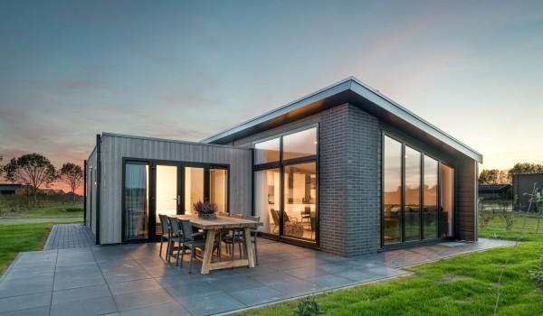 Verblijf een weekend, midweek of een week met het hele gezin op een nieuw Roompot park in Zeedijk