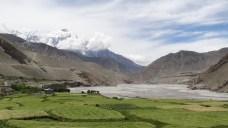 Alle Doerfer sind Oasen in Mustang, bedingt durch das extrem trockene Klima